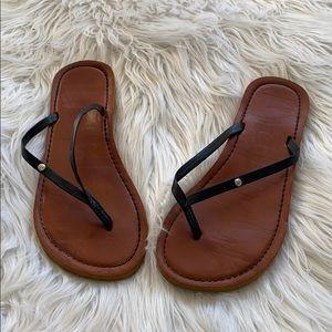 🤘🏼mad love black thong sandals